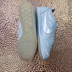Nike Shoes - NWT W Nike Classic Cortez